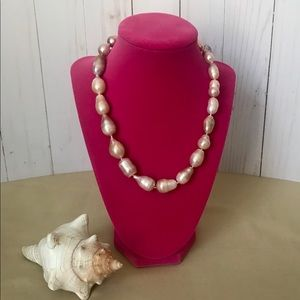 Jewelry - Natural pearl necklace